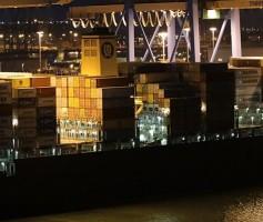 关于国际跨境物流的运费居高不小的原因