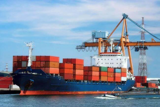 CFR和CIF条款下的国际海运出口工作的实际步骤是什么?